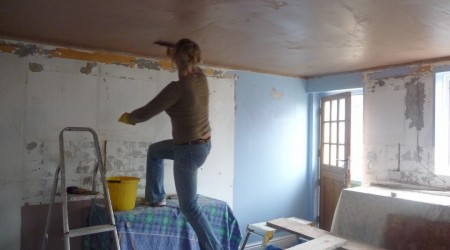Plastering a Ceiling